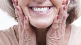 入れ歯が痛くて満足に食事ができない人の歯医者選び